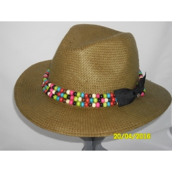CAPPELLO FEDORA CON PERLE IN LEGNO COLORATE