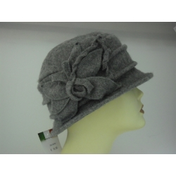 CAPPELLO DONNA 100% LANA DISPONIBILE 2 COLORI